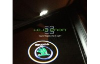 Luzes Cortesia Laser com Logotipo Skoda